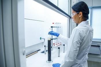 «Конданефть» ввела в эксплуатацию новую химико-аналитическую лабораторию