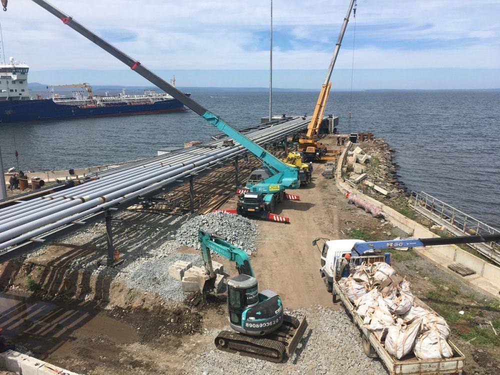 На Владивостокской нефтебазе закончена реконструкция наливного пирса